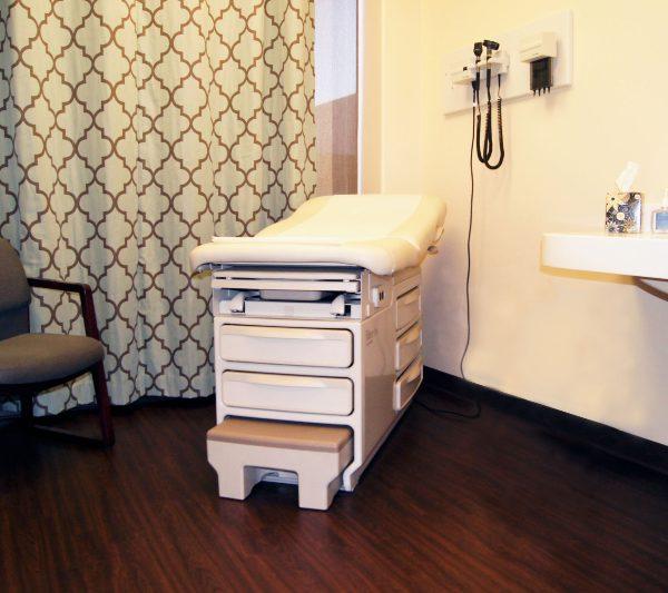 xpress urgent care exam room